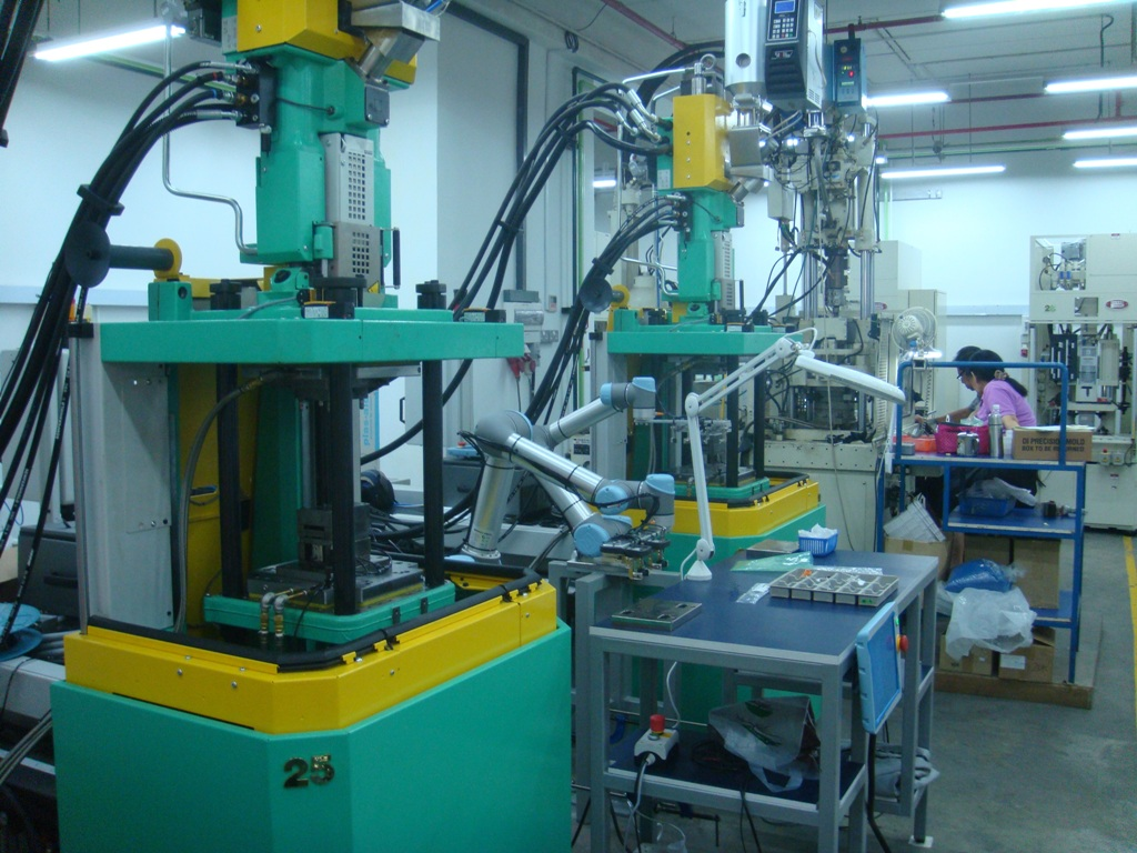 Injection Moulding Machine Tending |