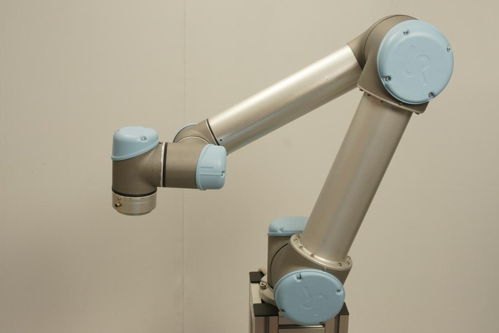 Basic ur lesson 1 teach waypoints universal robots zacobria hold robot teach pendant press mozeypictures Gallery