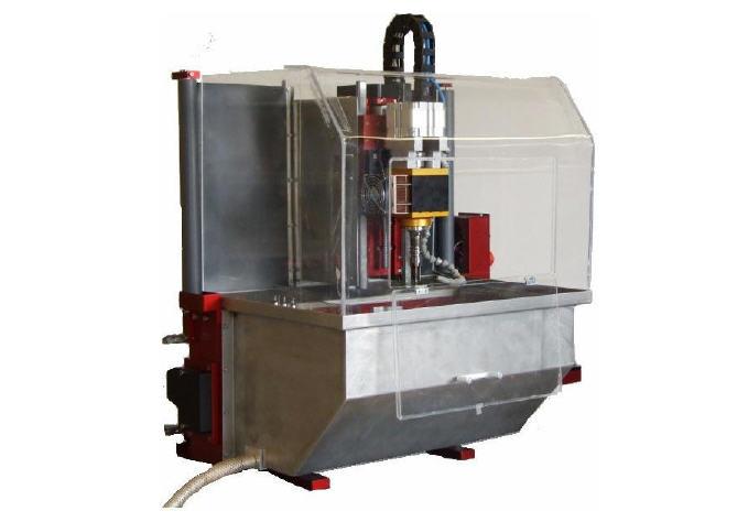 universal-robots-zacobria-tending-3-levil-desktop-cnc-milling-machine-wl-400-1