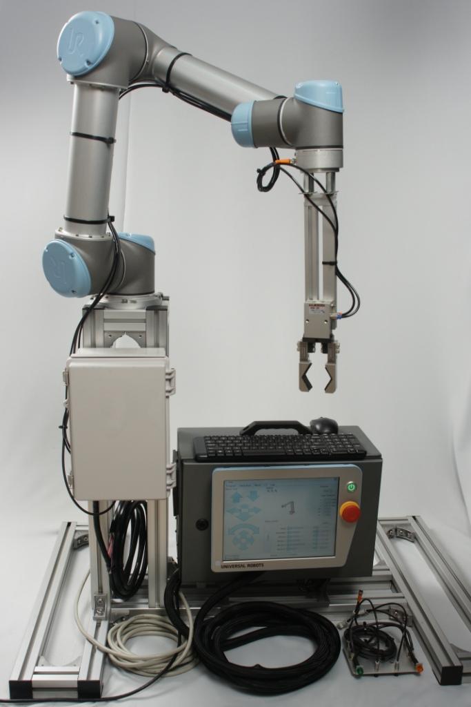Zacobria Universal Robot Robot Set With Pump Gripper