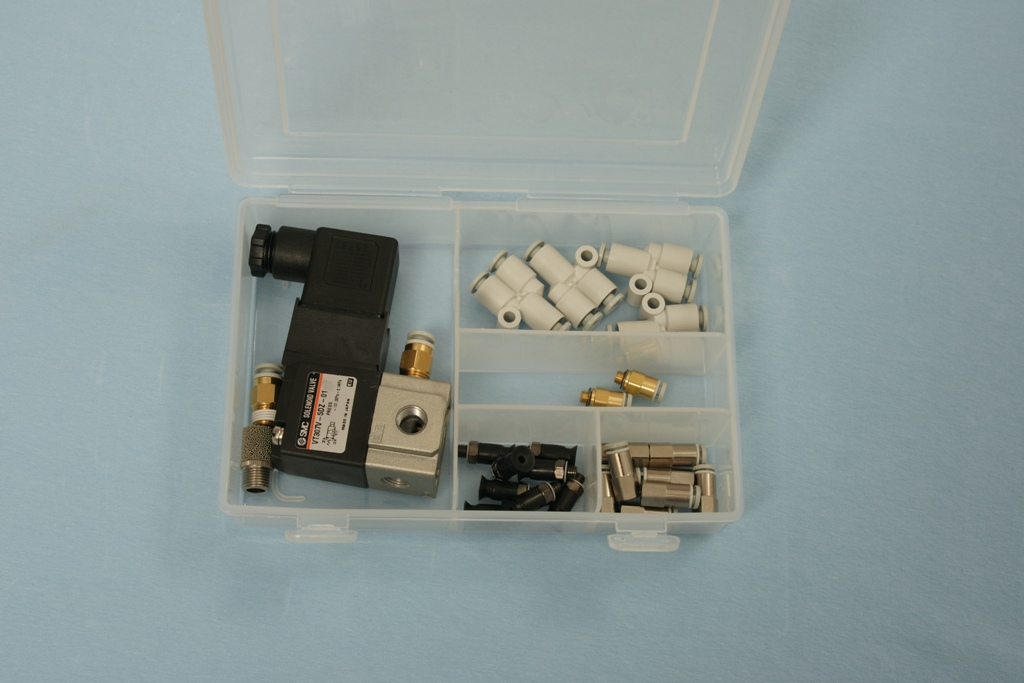 Universal-Robots Zacobria pneumatics 1 solenoid valve 8 8mm pads 4 T fitting kit box